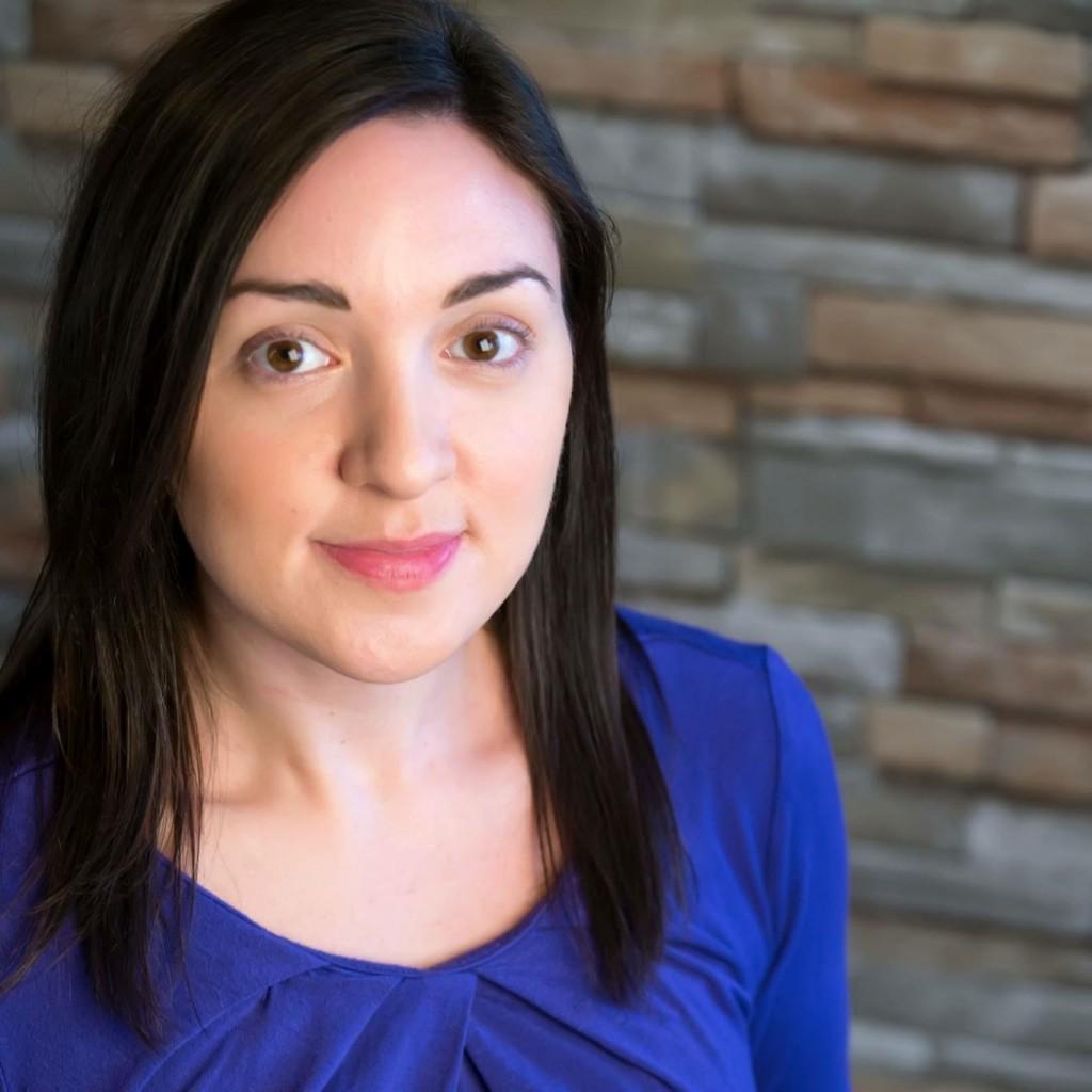 Sarah Neadow Headshot 1